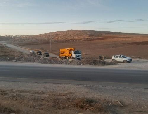 Israeli military, Regavim confiscate Palestinian cement truck
